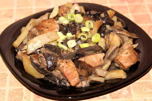 Вкусные жареные подосиновики с картошкой и свининой