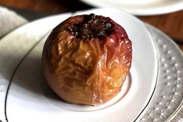 Яблоко, запеченное в духовке