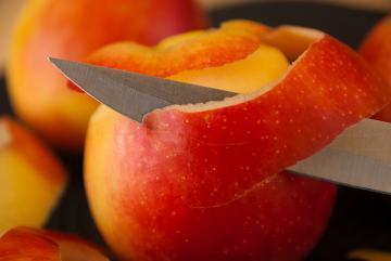 Кожура яблок: польза и вред