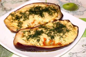 Баклажаны, запеченные под сыром