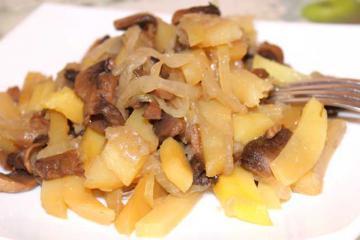 Белые грибы с картошкой