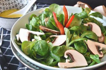 Постный салат из шампиньонов