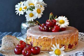 Вкусный пирог с черешней