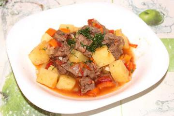 Вкусное жаркое с картошкой