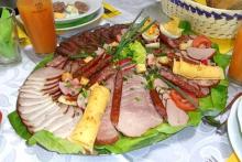 Подача закусок на праздничный стол