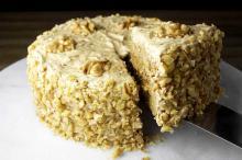 Вкусный торт с орехами